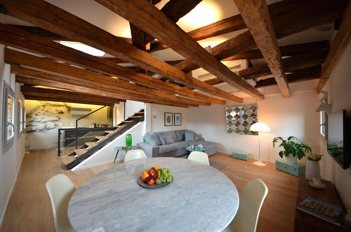 Sagredo bright and cozy attic with panoramic terrace
